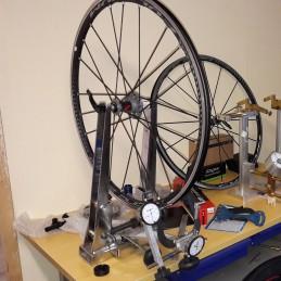 Changement de rayon sur roue de vélo